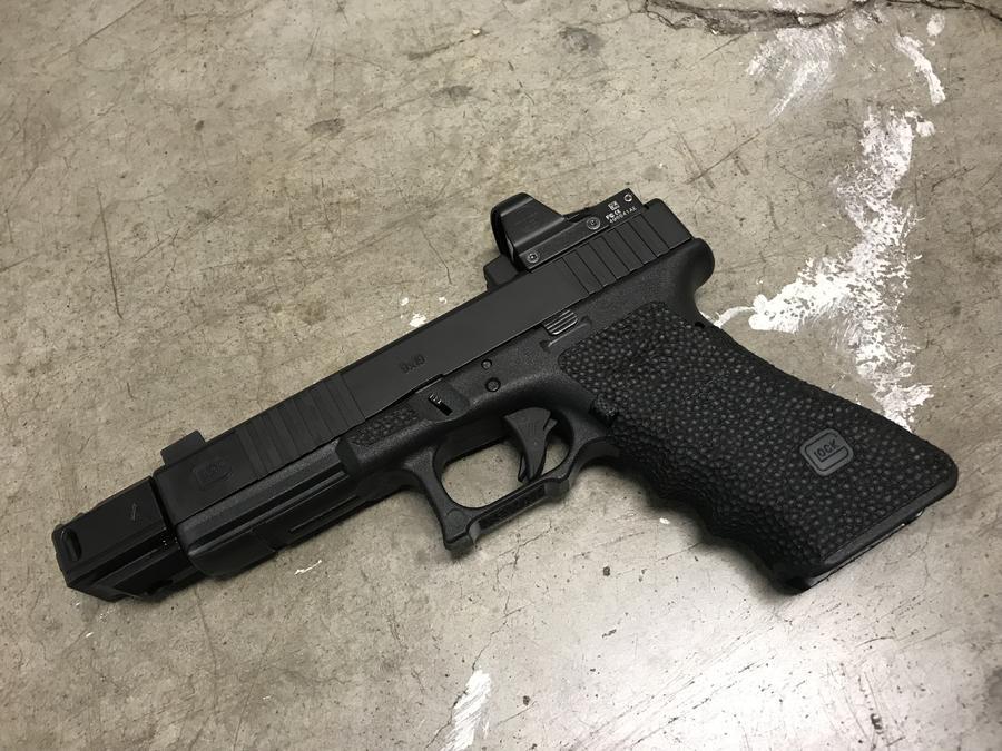 Name:  braedon glock 2.jpg Views: 825 Size:  109.5 KB